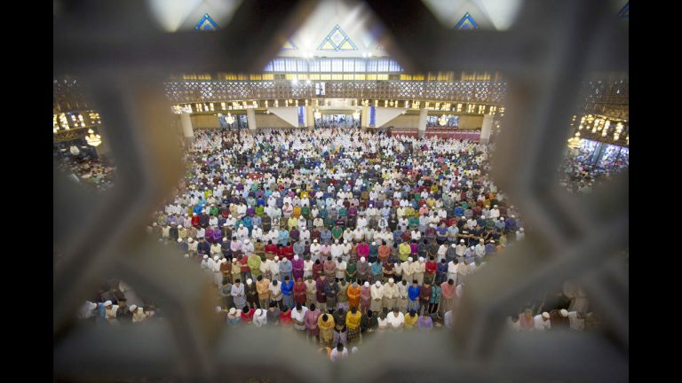Moeten media gebalanceerd berichten over de islam?