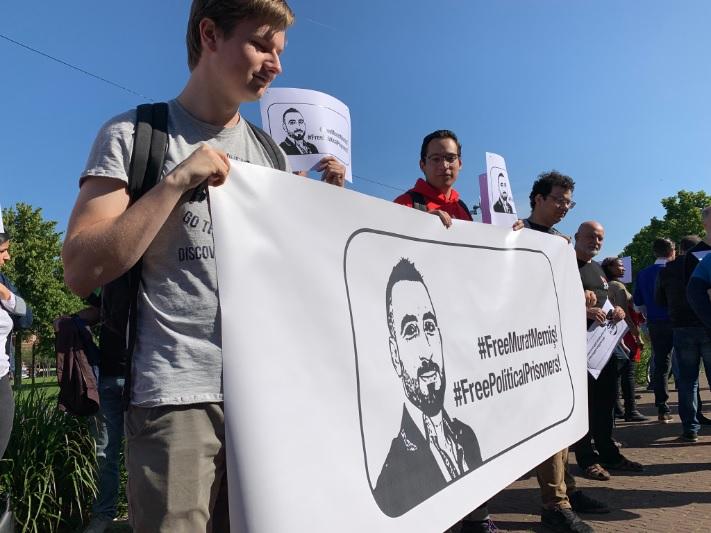 Betoging tegen Turkse gijzeling van SP'er Memis