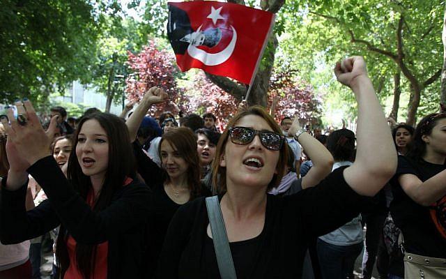 Turkije: proces tegen 'leiders Gezi-protest' van start