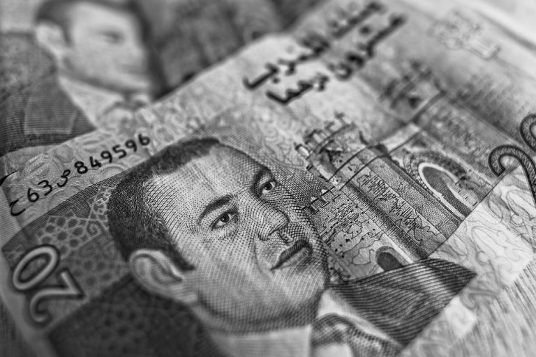 Marokko krijgt minder geld van Marokkaanse Europeanen