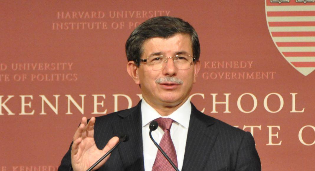 Turkse ex-premier: waarheid over aanslagen in Turkije (2015) nog niet boven tafel