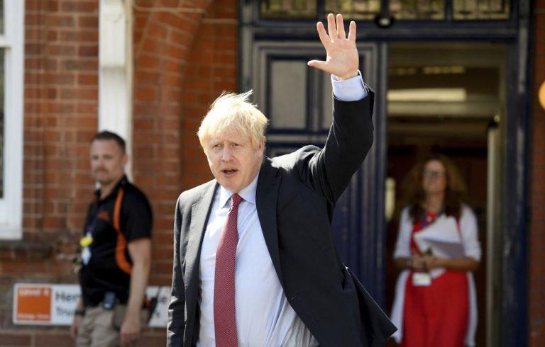 Studie: piek in moslimhaat nadat Boris Johnson boerka's met brievenbussen vergeleek