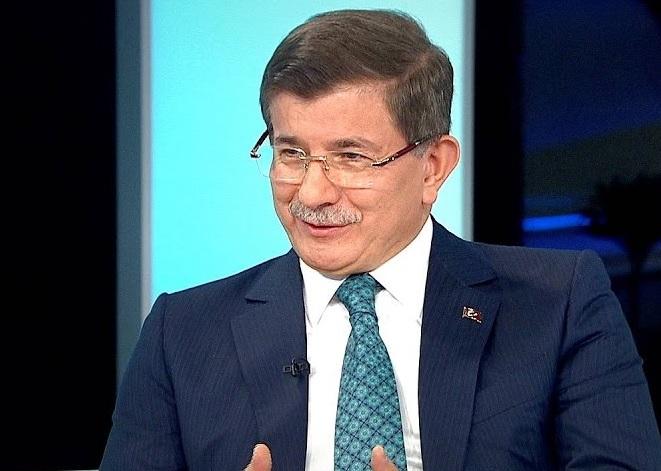 Turkije: AKP zet oud-premier Davutoglu uit de partij