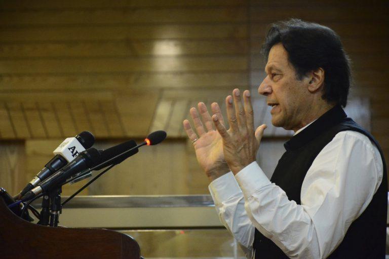 Pakistaanse premier over Kashmir: 'Wereld negeert etnische zuivering op moslims'