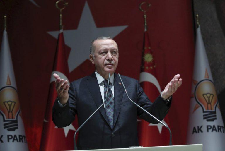 Turkije vervolgt pro-Koerdische politici en burgers met kritiek op inval Syrië