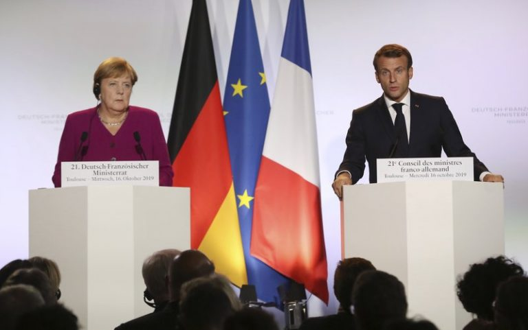 Franse president Macron waarschuwt tegen stigmatisering moslims