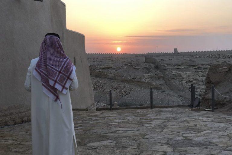 Saoedi-Arabië laat opeens toeristen toe, verwelkomt er '24.000 in eerste tien dagen'