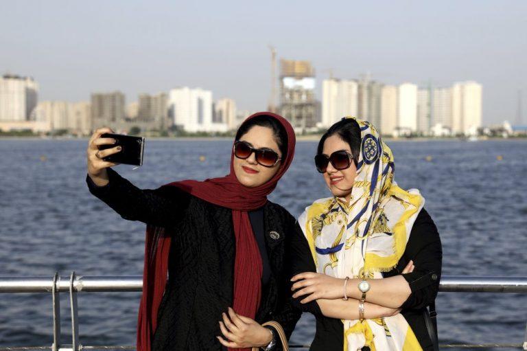Rijke Iraniërs ontvluchten economie en ayatollahs. Eindbestemming: Turkije