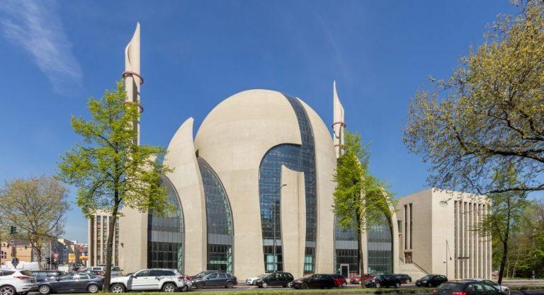 Duitsland start eigen imamopleiding, wil invloed Diyanet uit Turkije tegengaan