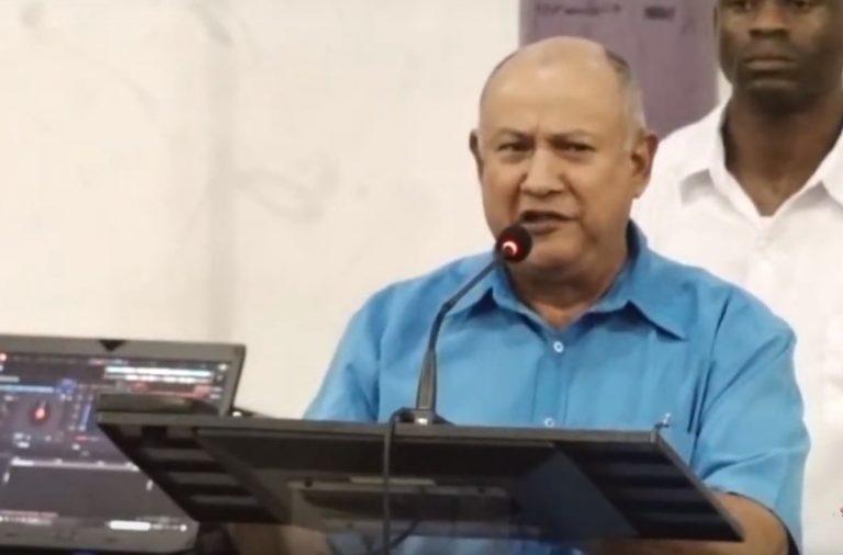 Suriname: pastoor vindt dat volk moet sterven voor Bouterse, vergelijkt hem met Jezus