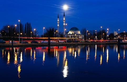 moslims-Nederland-islamisering.jpg